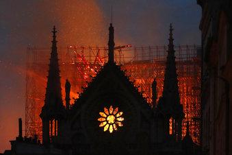 APTOPIX France Notre Dame Fire_1555375642951