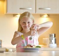 Αλάτι στο φαγητό αυξάνει την πίεση και στα παιδιά