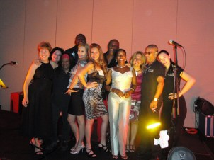 Paima ladies and the band