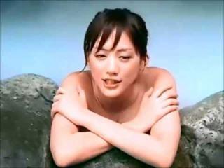 綾瀬はるかヌード入浴シーンでおっぱいポロリエロお宝画像10