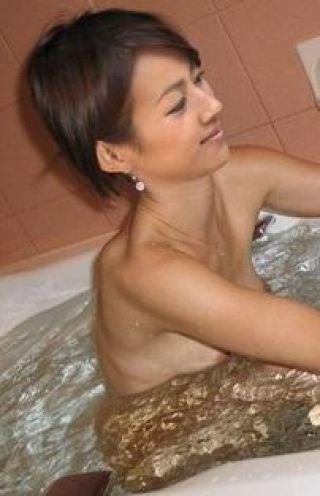前田有紀アナ乳首モロおっぱい丸出し全裸ヌード入浴画像流出2