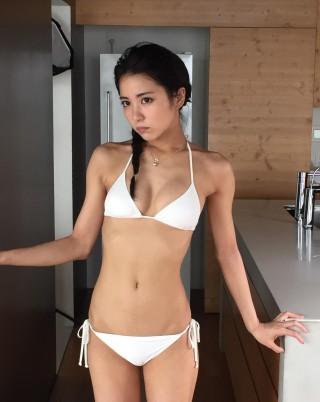石川恋画像ビキニ水着38