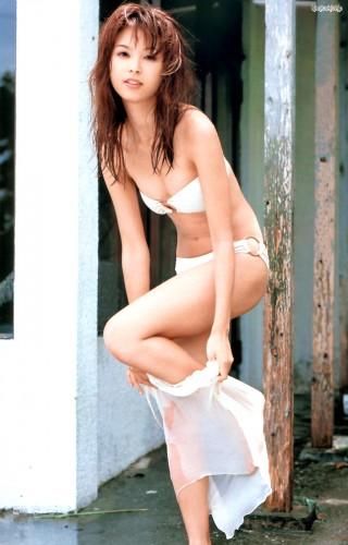 白石みきキャスターの水着画像