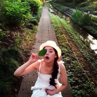 新木優子の水着おっぱいの谷間スラリ美脚エロセクシーお宝画像