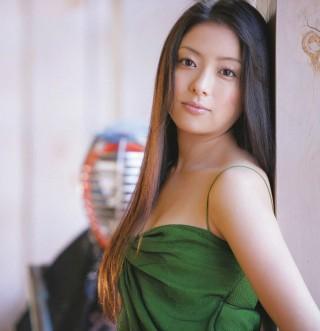 年代以降の映画女優の作品別ヌード:南野陽子 …