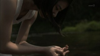 黒島結菜のエロい下着透け水浴びシーンお宝画像