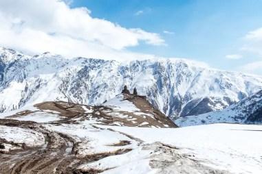 Come raggiungere Kazbegi da Tbilisi e visitare la chiesa di Tsminda Sameba