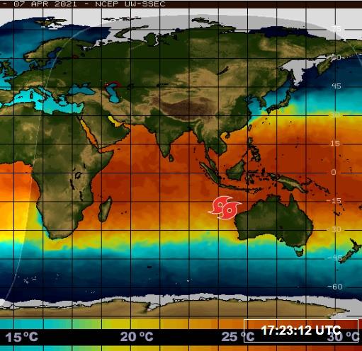 Duas tempestades ciclônicas estão muito próximas e poderão se fundir criando o efeito Fujiwhara ao largo da costa australiana. A temperatura da superfície do mar na região está em 31°C. Crédito: Painel Global.
