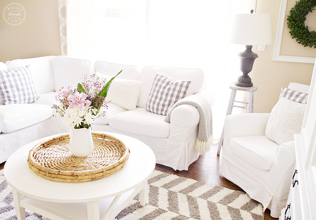 A simple clutter free living room - Paint Me Pink