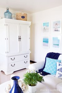 A Beach Cottage Living Room Makeover - Paint Me Pink