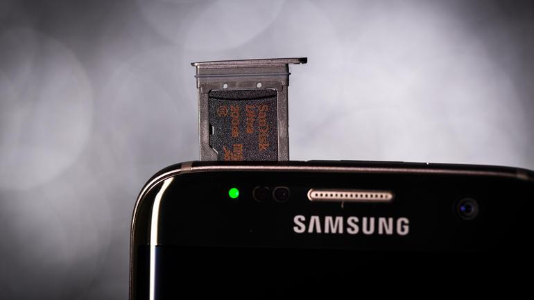 samsung-galaxy-s7-edge-Micro_Sd_card