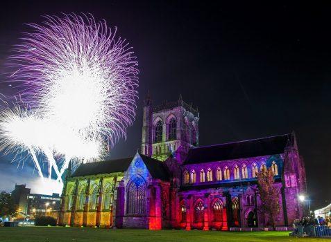 Paisley-abbey-fireworks-2015