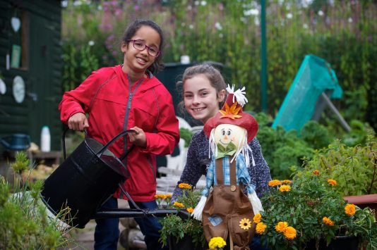 Brediland Allotments. Hiedi Wilson and Louise Tayney_7476
