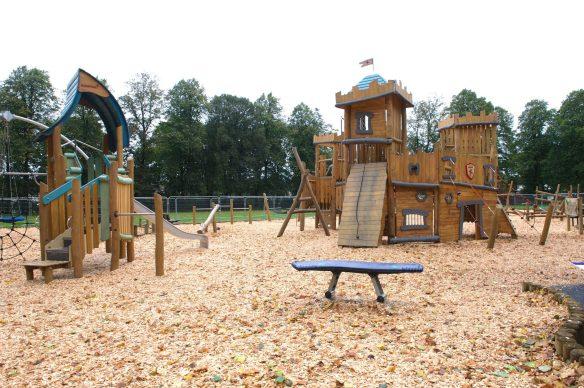 New Playground Robertson Park Renfrew 4.10.17