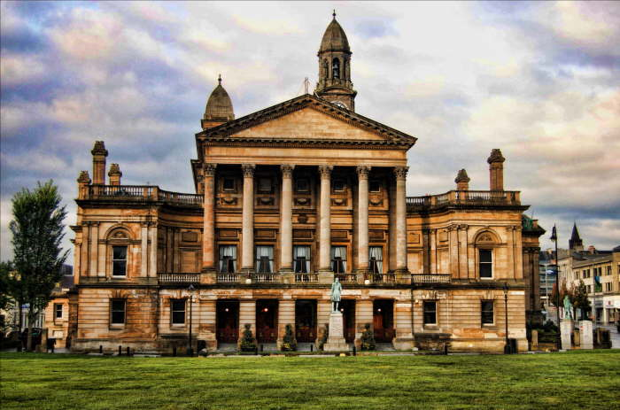 Top Reasons to Move to Paisley as a Student