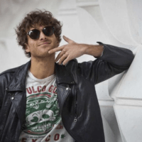 Watch Paolo Nutini stun fans of Edinburgh band Porkpie by joining them on stage