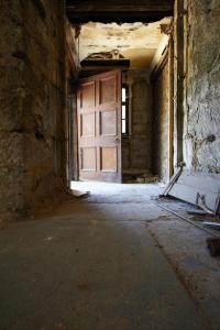 castlehead-church-inside-gutted-18 35879855911 o