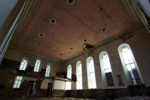 castlehead-church-inside-gutted-3 35202453383 o
