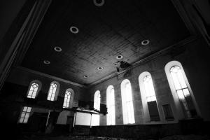 castlehead-church-inside-gutted-4-bw 35202454353 o