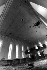 castlehead-church-inside-gutted-56-bw 36013301085 o