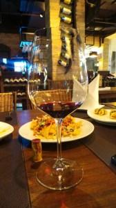ไวน์หลายประเทศจากทั่วทุกมุมโลก มีไว้สำหรับเหล่าบรรดา Wine Lover ทั้งหลาย