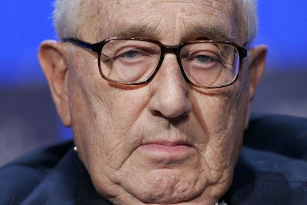 Henry Kissinger aquellos que rechazan el Nuevo Orden Mundial son terroristas