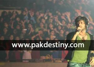 Singer-Atif-Aslam-concert-marred-by-mismanagement,-five-suffered-minor-injuries-pakdestiny