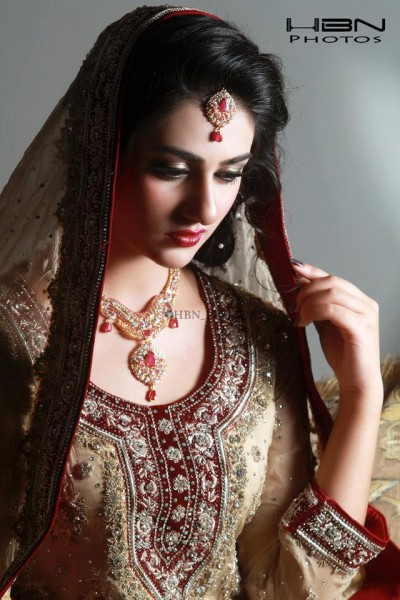 The Gorgeous and Beautiful Sarah Khan. She looks exquisite in Bridal Wear (2)