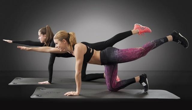 strój na siłownię dla kobiet fitness
