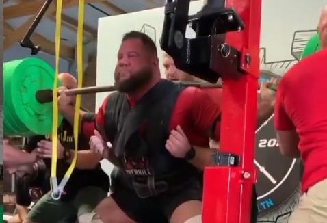 rekord swiata przysiad 592kg