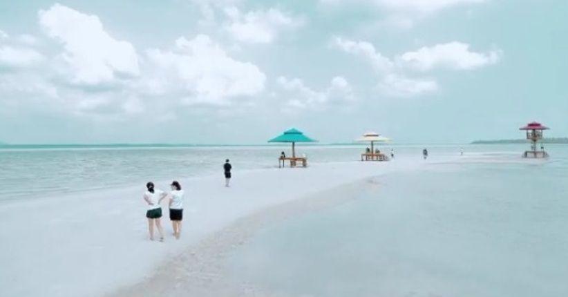 liburan asyik pulau leebong