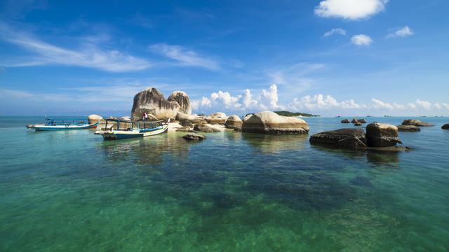 paket perjalanan Pantai Tambak Belitung