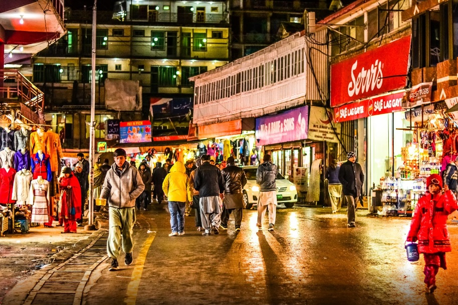 Murree Famous Hotels To Eat Food In
