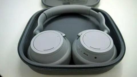 Jabra Move Wireless , best bluetooth headset for phone calls