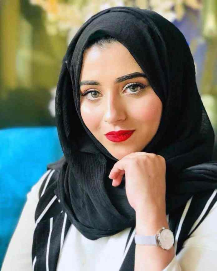 Tahleel Khan, lifestyle blogger