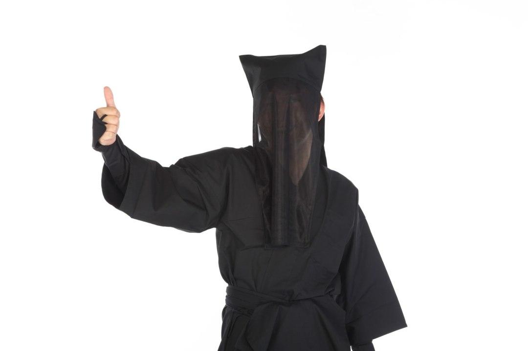 「黒子のグッジョブ黒子のグッジョブ」[モデル:鈴木秀]のフリー写真素材を拡大