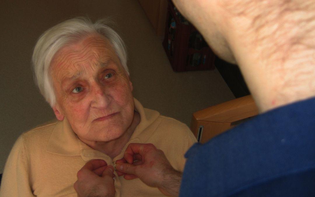 Cuidemos al cuidador de la persona dependiente