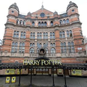 harry-potter-cursed-child-palace-theatre-2