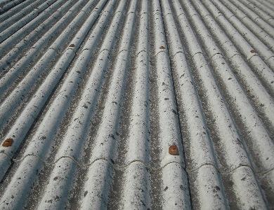 Palagiano , un rave party denuncia i rischi dell'amianto