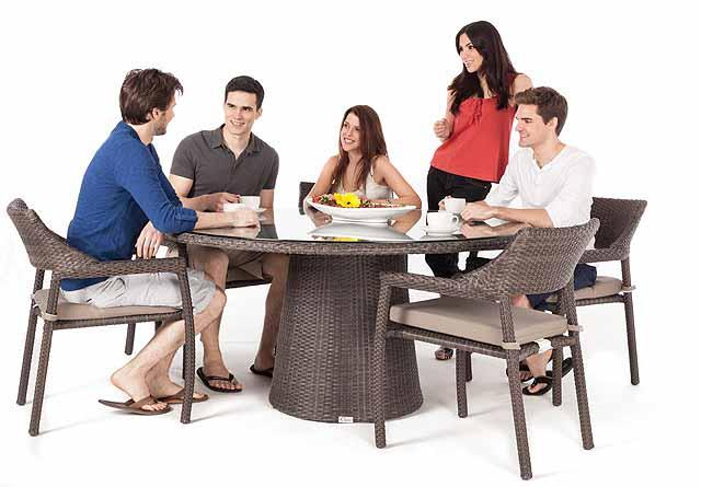delia round outdoor dining table with