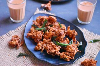 Onion Pakoda | Crispy Onion Pakora