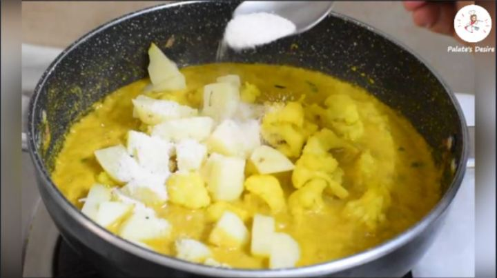Cauliflower Potato Kurma   aloo gobi kurma