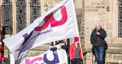Over 350 University staff sign open letter opposing cuts to pension benefits