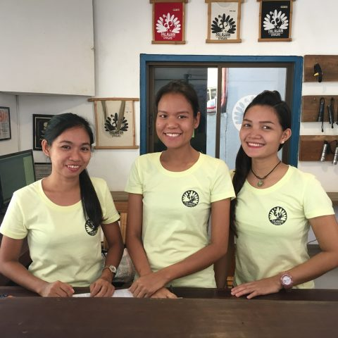 palawan-divers-office-team
