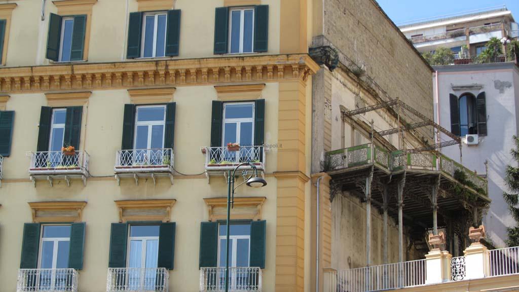 Palazzo Mele 32  Palazzi di Napoli