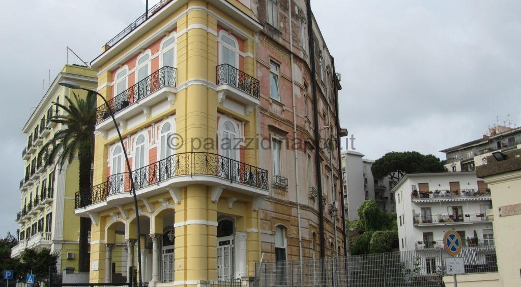 via Posillipo 67 A  Palazzi di Napoli