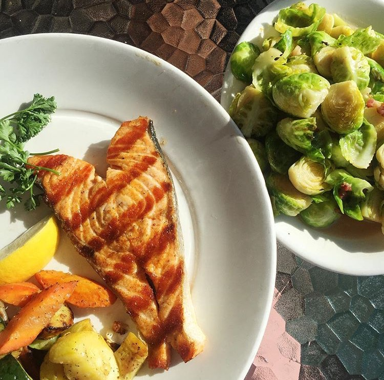 tips to eat paleo at restaurants