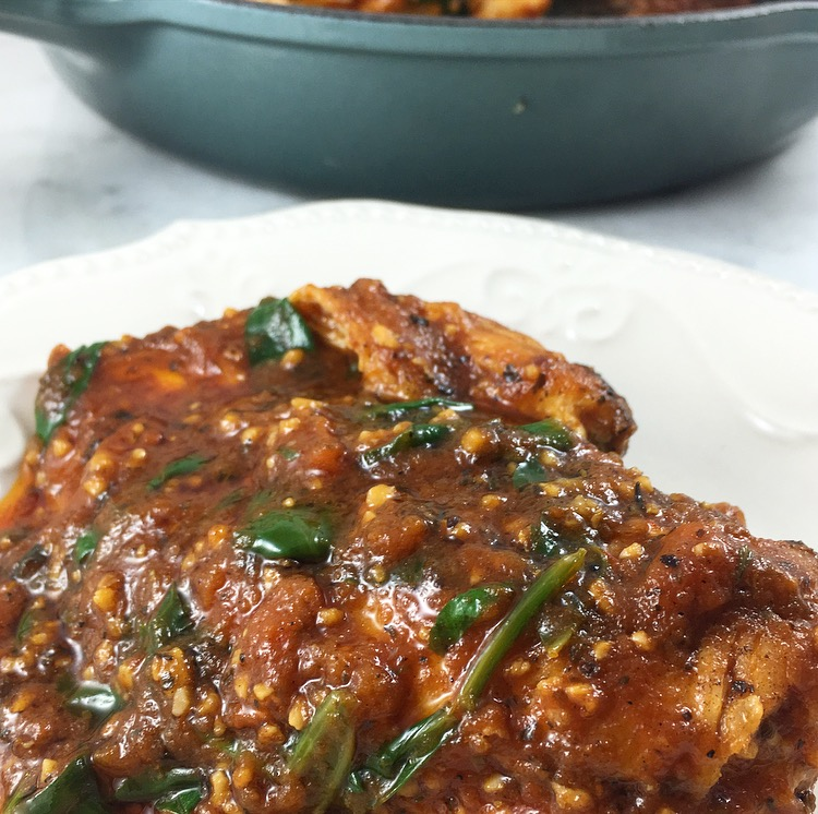 One Pan Garlic & Butter Chicken with Tomato and Spinach Sauce
