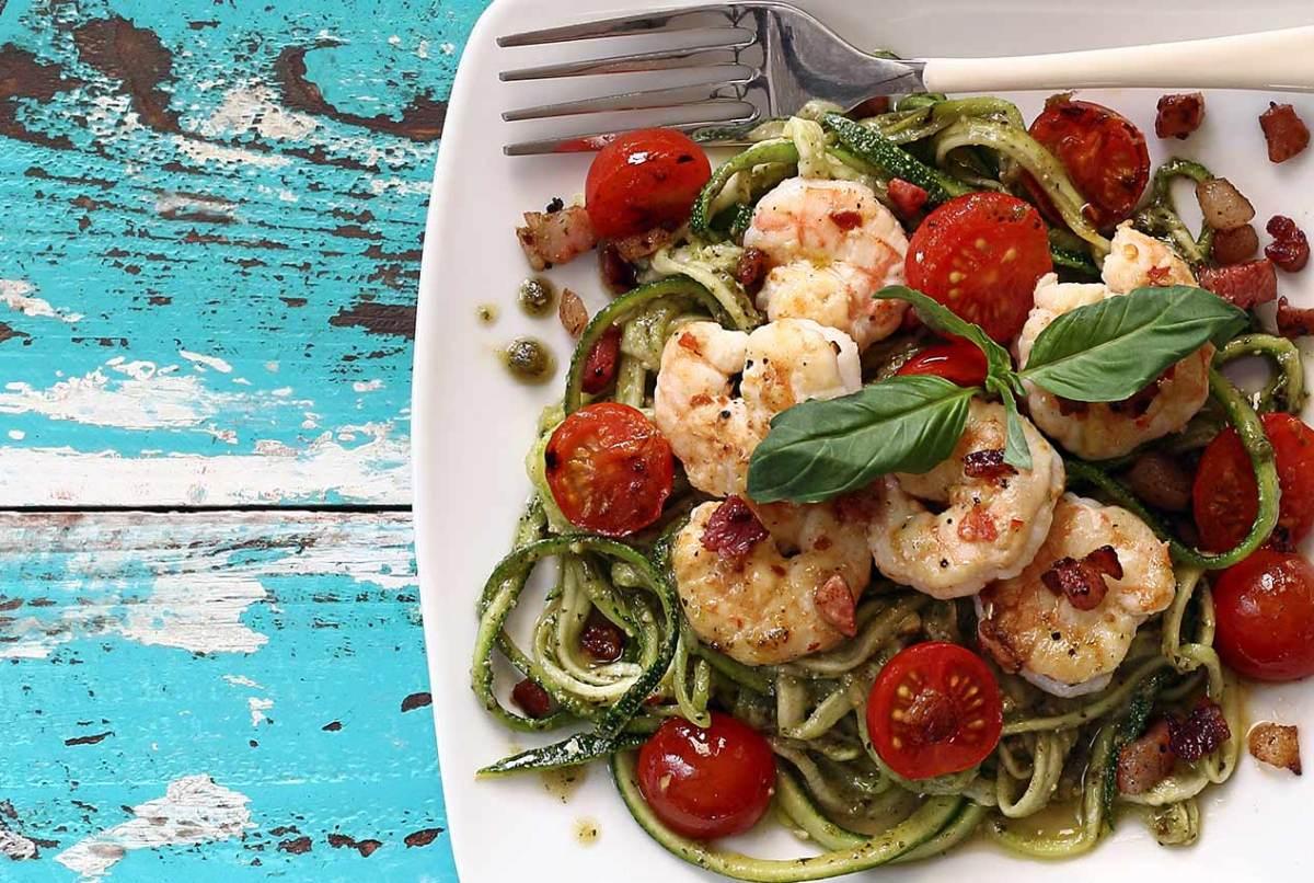 easy paleo recipe for pesto shrimp with pancetta
