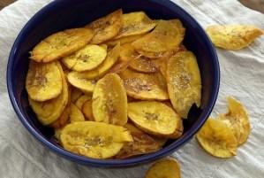paleonewbie.com Easy plantain chips recipe